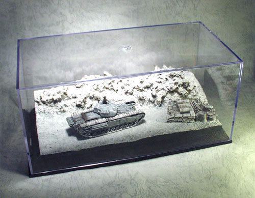 1:72 Diorama with Display Box Winter Depot